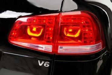 Pojazd akumulatorowy VOLKSWAGEN TOUAREG na licencji